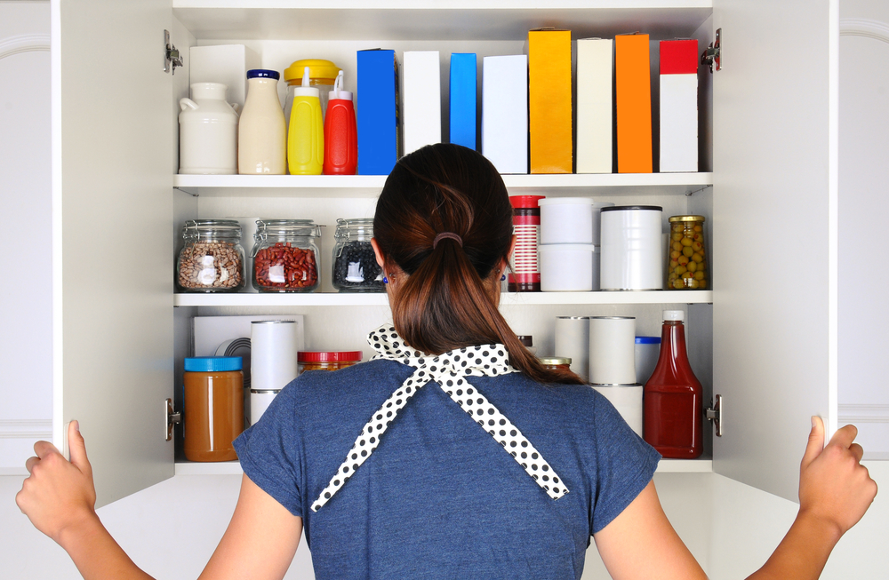 How to Organize Kitchen Cabinets on the Cheap